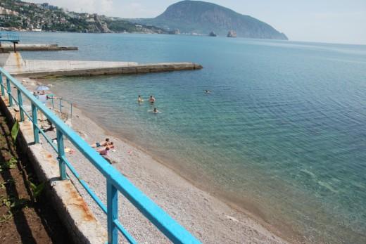 gurzuf beach sanatory Ghemchughina kryma